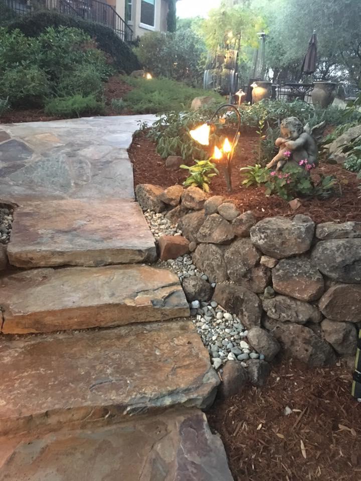 Lighting-and-flagstone-steps-hardscape-in-Sacramento-CA-by-Romeros-Landscape-Inc