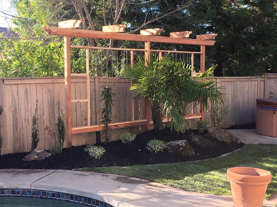 wood-trellis-design-and-installation-in-Sacramento-CA-by-Romeros-Landscape-Inc